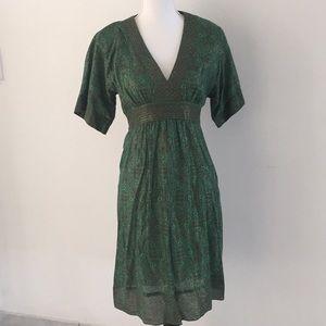 BCBG v neck dress size 4